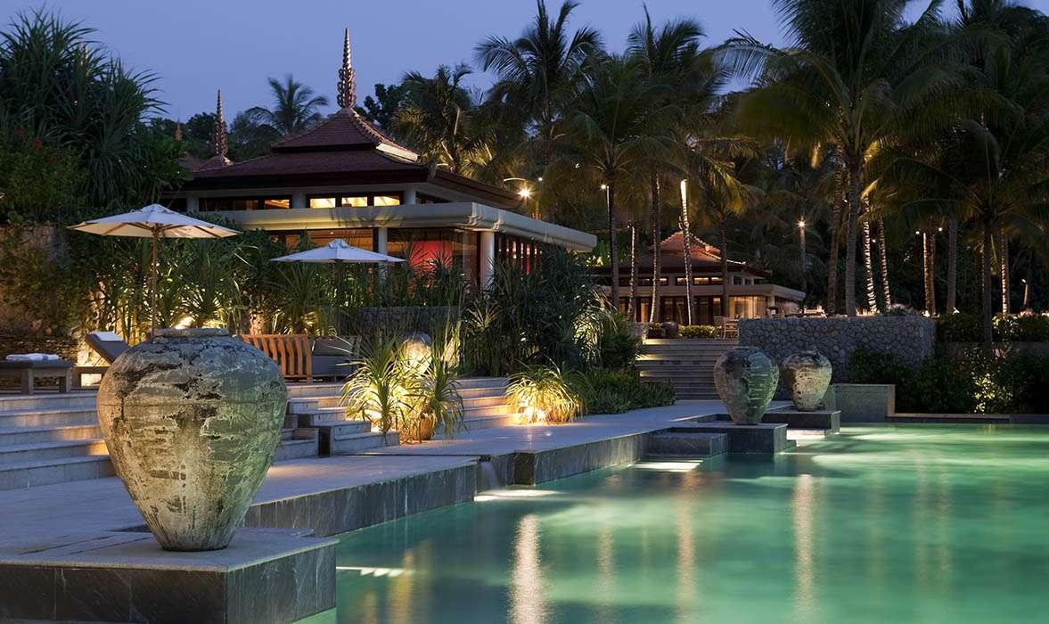 Iluminación piscinas y exterior